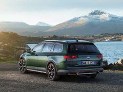 Premiera podczas Salonu Genewskiego: Nowy Passat jako pierwszy Volkswagen będzie mógł poruszać się częściowo automatycznie przy wyższych prędkościach